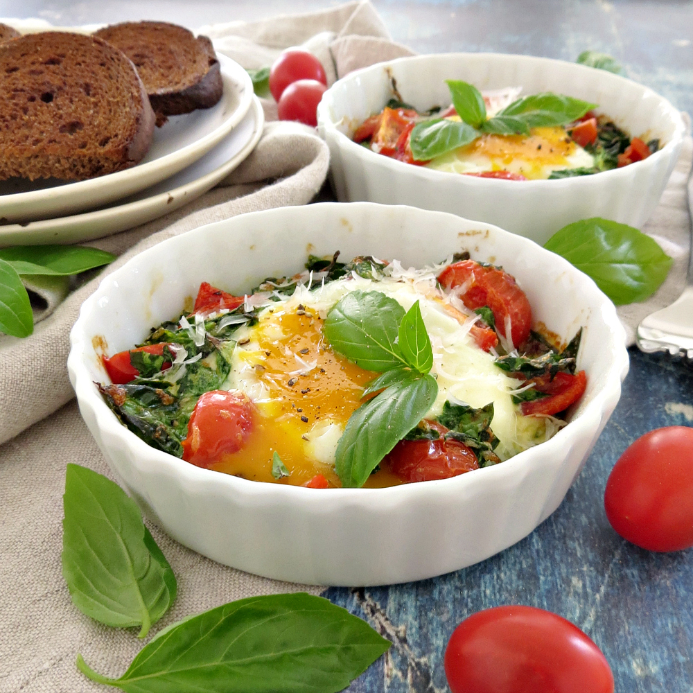 Italian Baked Eggs With Spinach & Tomatoes