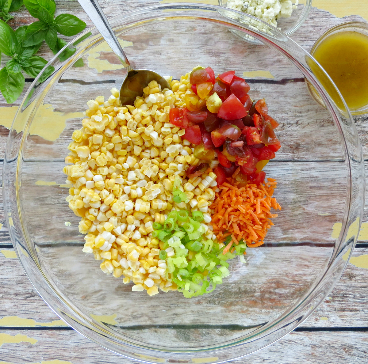 Fresh Corn Salad Recipe with Blue Cheese and Tomatoes